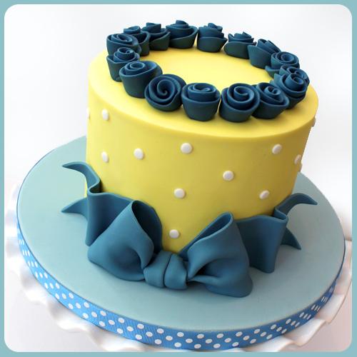 cake decorating class norwich norfolk ganache straight edge sharp corner norwich norfolk